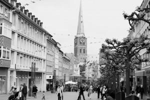 Die Stadt Lübeck öffnet unserer Eventagentur einmalige Möglichkeiten, um Events jeglicher Art veranstalten zu können. Auch Teambuilding-Maßnahmen können wir in Lübeck optimal umsetzen. Die Stadt Lübeck bietet unserer Eventagentur auch einen optimalen Rahmen für einen besonderen Betriebsausflug in die Hansestadt.